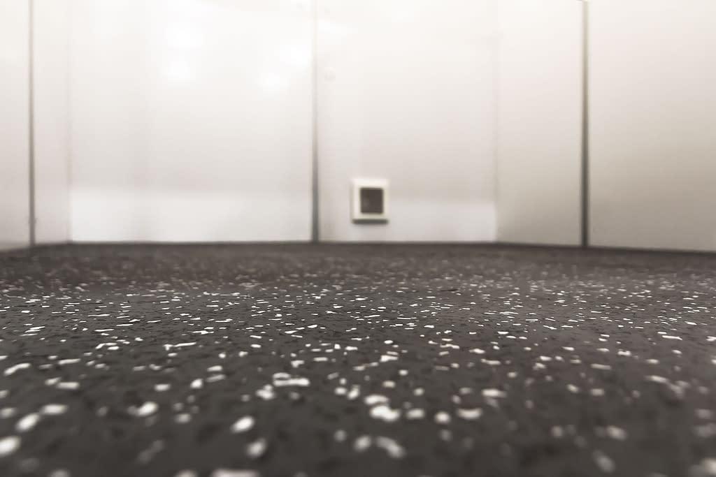 Isolation Pod-6240 floor